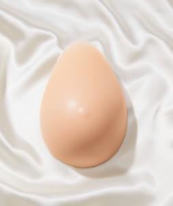 Grudna proteza suza za žene posle masektomije
